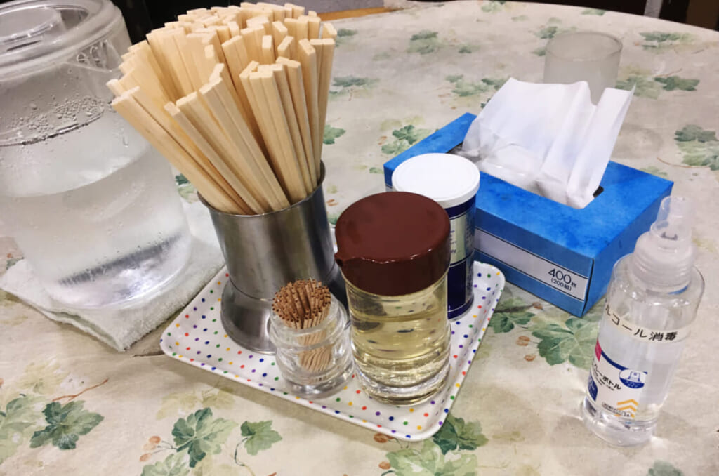 赤坂味一 テーブル上アイテム