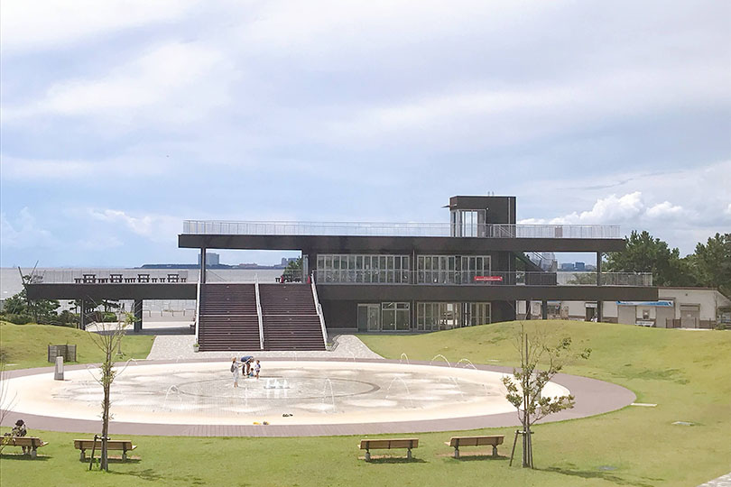 三番瀬海浜公園 展望台と噴水