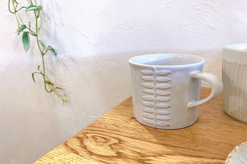 葉っぱ柄のマグカップ