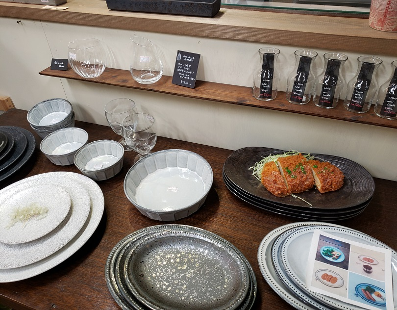 お皿やガラス食器