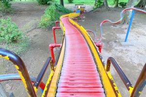 【上山公園】船橋市にある長いすべり台が人気の公園!すべった感想も紹介