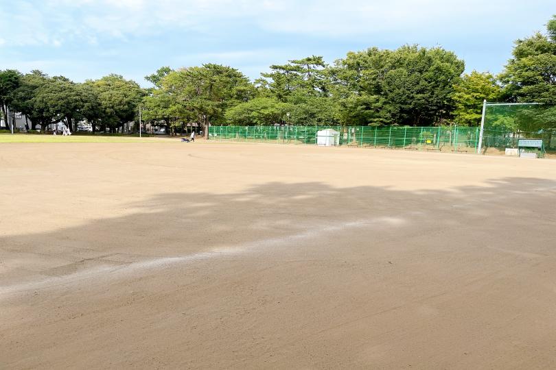 多目的広場にある野球場の写真