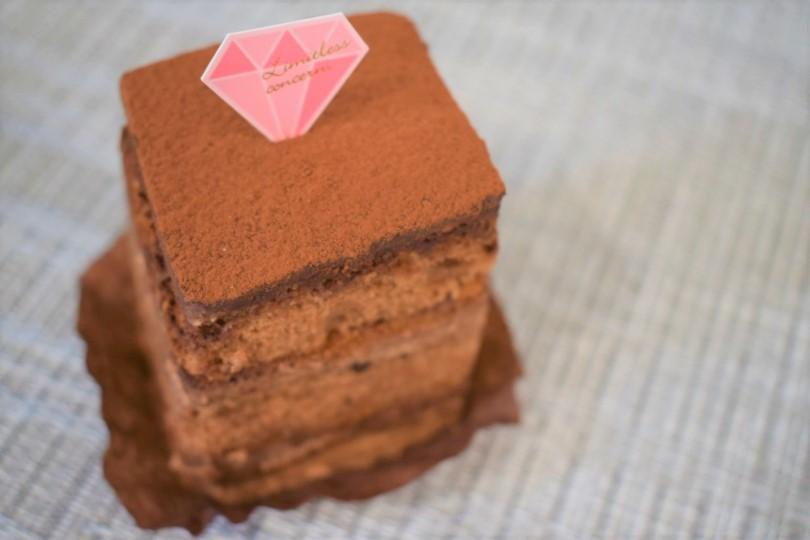ノアのチョコレートケーキ